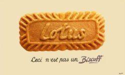 Koekje Lotus met onderschrift Ceci n'est pas un Biscoff